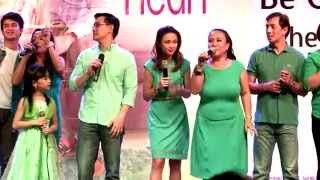 "Be Careful With My Heart Casts sing ""Kapit Bisig"" at Finale Mall Show"