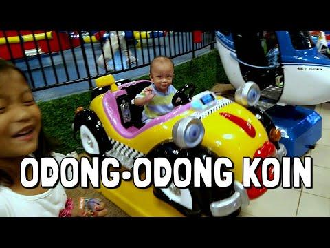 Bayi Lucu Naik Odong-Odong Koin 🚗  Baru Pertama Kali, Gak Mau Berhenti 🚘  Kiddie Car 🚙  Mobil Goyang