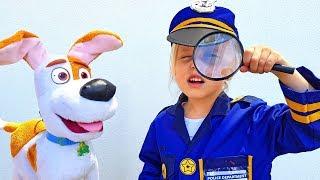 Девочка играет в полицейского и помогает Щенячьему Патрулю / Сказки для Евы
