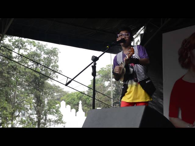 Tegar performing at the Pop and Dangdut Festival 2014 Travel Video