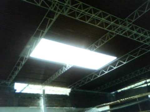 Totalservis techo con tijerales de fierro calamina for Modelos de techos para galerias