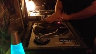 DrGiggles Live DJ Vinyl Mix Dub instrumental Hip trip Hop illbient scratch mix on turntables
