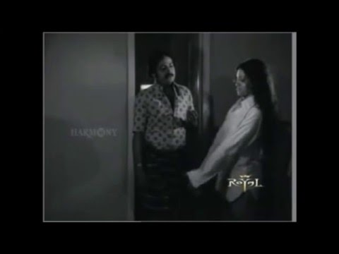 Old Hot Malayalam Actress Seema Wet and Sexy thigh Show