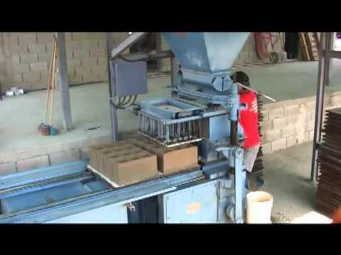 Fabrica de maquinas para hacer bloques fmb ca youtube - Como hacer una solera de hormigon ...
