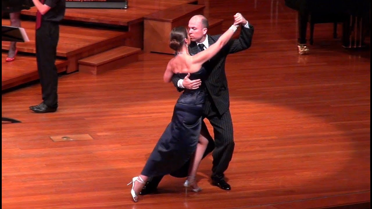 Libertango Dancers -- Astor Piazzolla -- Tango Dance