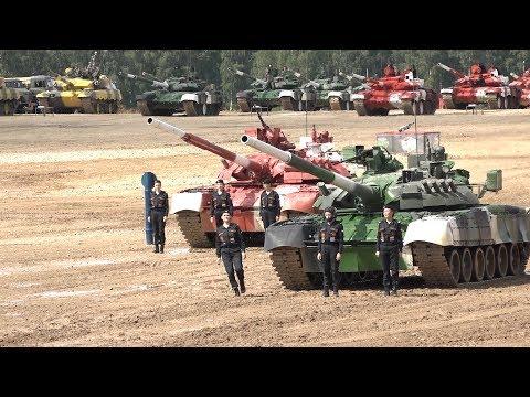 Девушки-танкистки показали класс на подмосковном Алабино
