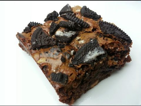 HOW TO MAKE TRIPLE CHOCOLATE OREO BROWNIES