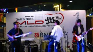 """Level 42 """"Tracie"""" (Cover by The 42 Tribute Band, Indonesia)"""
