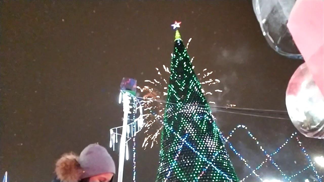 Новогодний салют в Екатеринбурге 2020 на Площади 1905 года под бой курантов и Гимна России