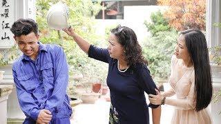 Chàng Công Nhân Bị Mẹ Vợ Tương Lai Sỉ Nhục Vì Không Xứng Với Con Gái Rượu Và 5 Năm Sau