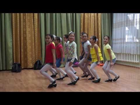 Танцевальная группа 'Непоседы'