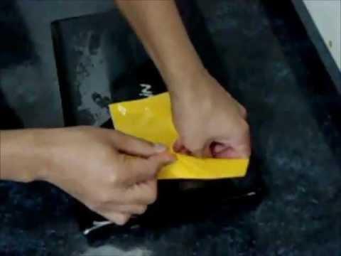 Como retirar facilmente restos de cola de adesivo da superfície do seu ...