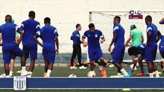 Alianza Lima entrenó en campo sintético previo al duelo ante Municipal