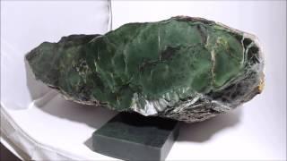 Cat's Eye Evergreen Jade™ (Chatoyant Nephrite)