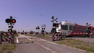 Spoorwegovergang Wieuwerd (Wiuwert)/ Level Crossing/ Passage a Niveau/ Bahnübergang