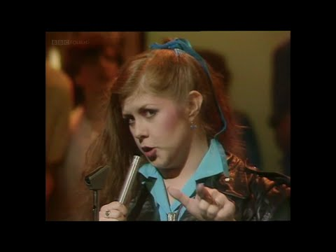 Kirsty MacColl - There's  A Guy Works Down The Chip Shop Swears He's Elvis (TOTP 1981)