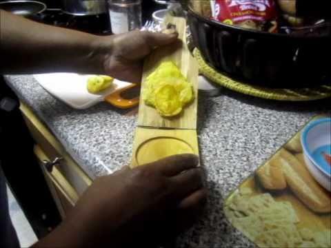 Haitian Cuisine: Fried Plantains - YouTube
