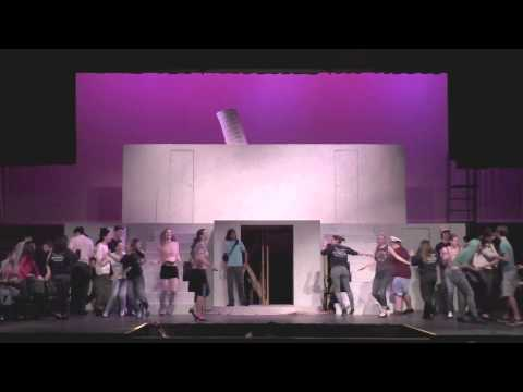 """Gunn Students Rehearse """"Anything Goes"""""""