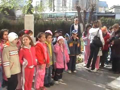 Crina Bucur -2008 si colegii clasa 1-Excursie Sinaia -Castelul Peles