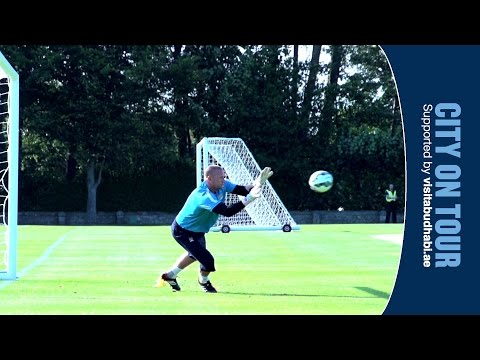 Josh Saunders is New York City's latest signing | Training with Manchester City