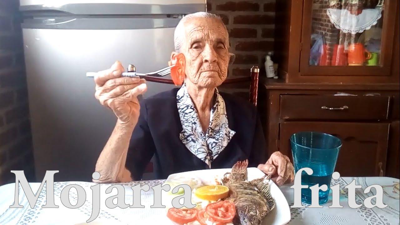 Pide abuelita de 87 años que vean sus recetas en YouTube