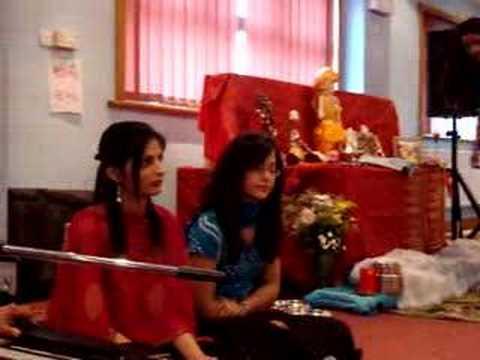 Leicester Bhajan - Mahelo Na Vasi Garibi Su Jane