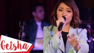 Video Geisha - Setengah Hatiku Tertinggal | Live Performance download MP3, 3GP, MP4, WEBM, AVI, FLV Oktober 2018