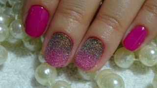Градиент на короткие ногти и блестки
