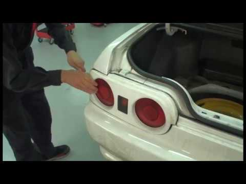 r32 gt-r tail light removal