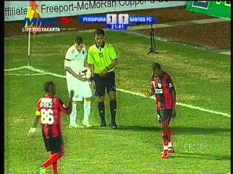 Persipura(Indonesia) VS Santos FC(Brazil) 2-1 Full Video Half Time