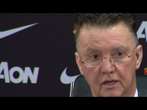 Manchester United - Louis van Gaal Pays Touching Tribute To Munich Air Disaster