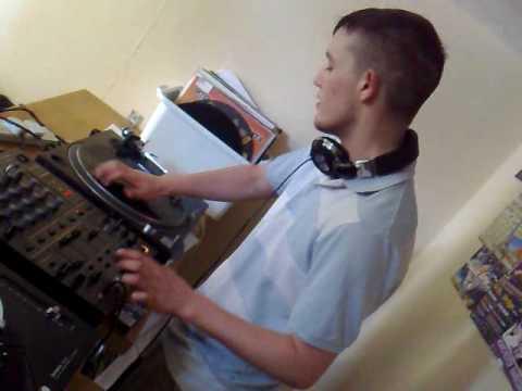 DJ Yannis G & Mr E (Bounce)