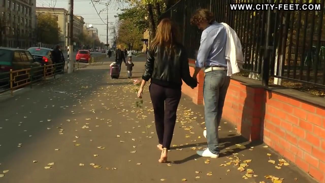 My barefoot girlfriend photos chaisy