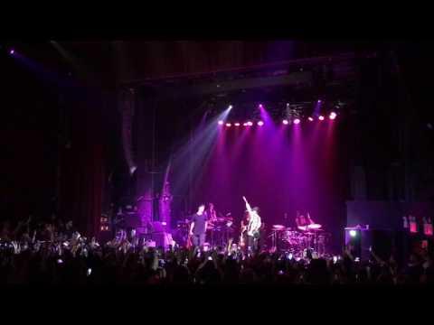 """Jack & Jack - """"Distraction"""" Live 2017"""