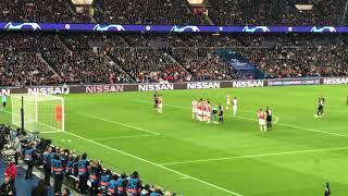 Coup franc en direct Neymar PSG-Etoile rouge Belgrade