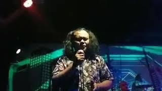LADOSTAR TRIO live di crabian sangat merdu nd sangat sedih dengar suara nya