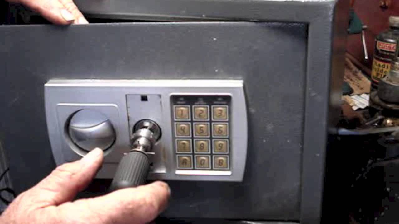 Lock Pick Key >> 7 pin Safe Tubular Lock picked. - YouTube