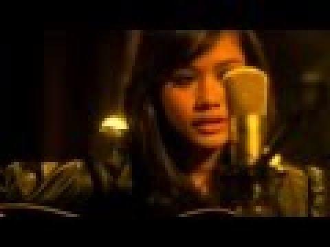 Liyana Jasmay - Aku Jatuh Cinta [Official Muzik Video]