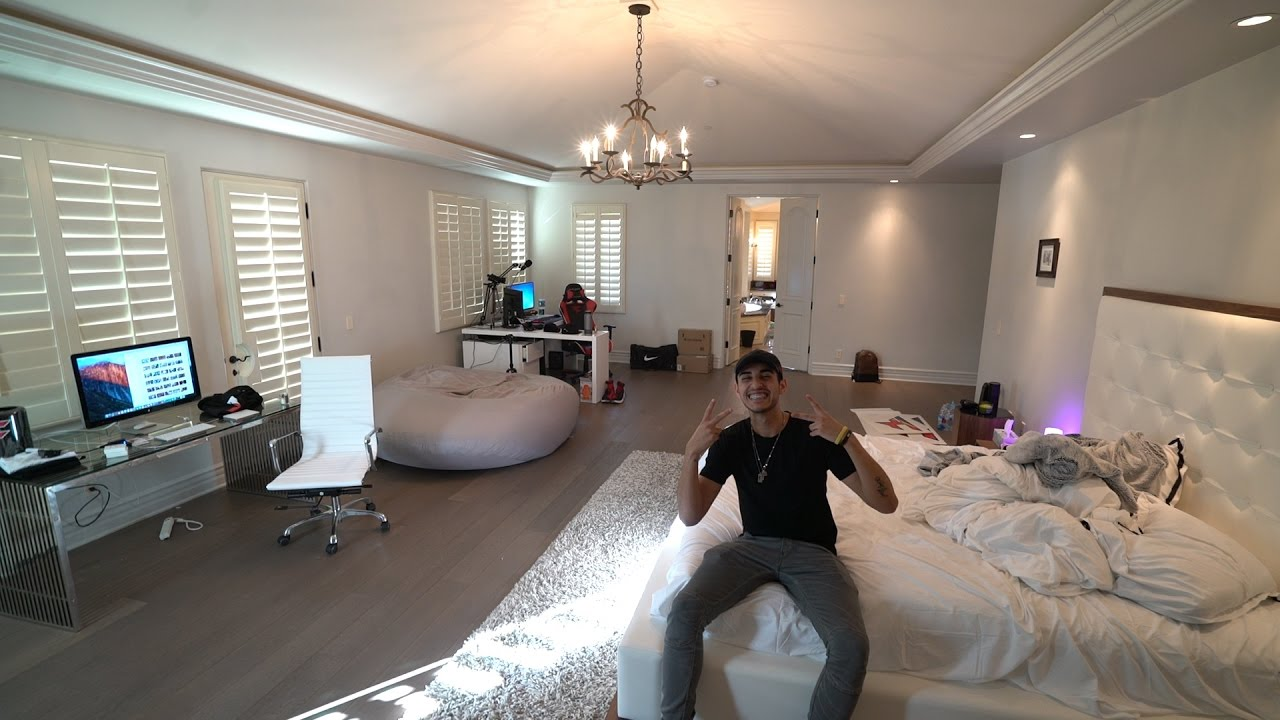 MY NEW ROOM TOUR   MASTER BEDROOM (FAZE HOUSE LA)   YouTube