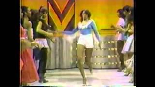 Soul Train Line - Da Ya Think I'm Sexy (Rod Stewart)