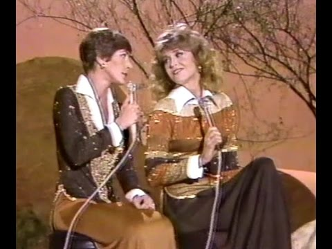 Jane Fonda sings and does sketches with Helen Reddy