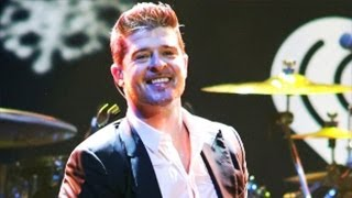 Robin Thicke Performs Soulful