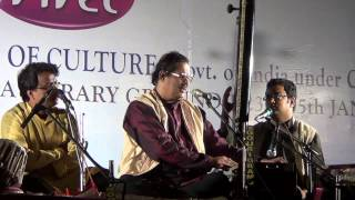 Pandit Ajoy Chakrabarty-Pahadi : Tabla Sandip Ghosh