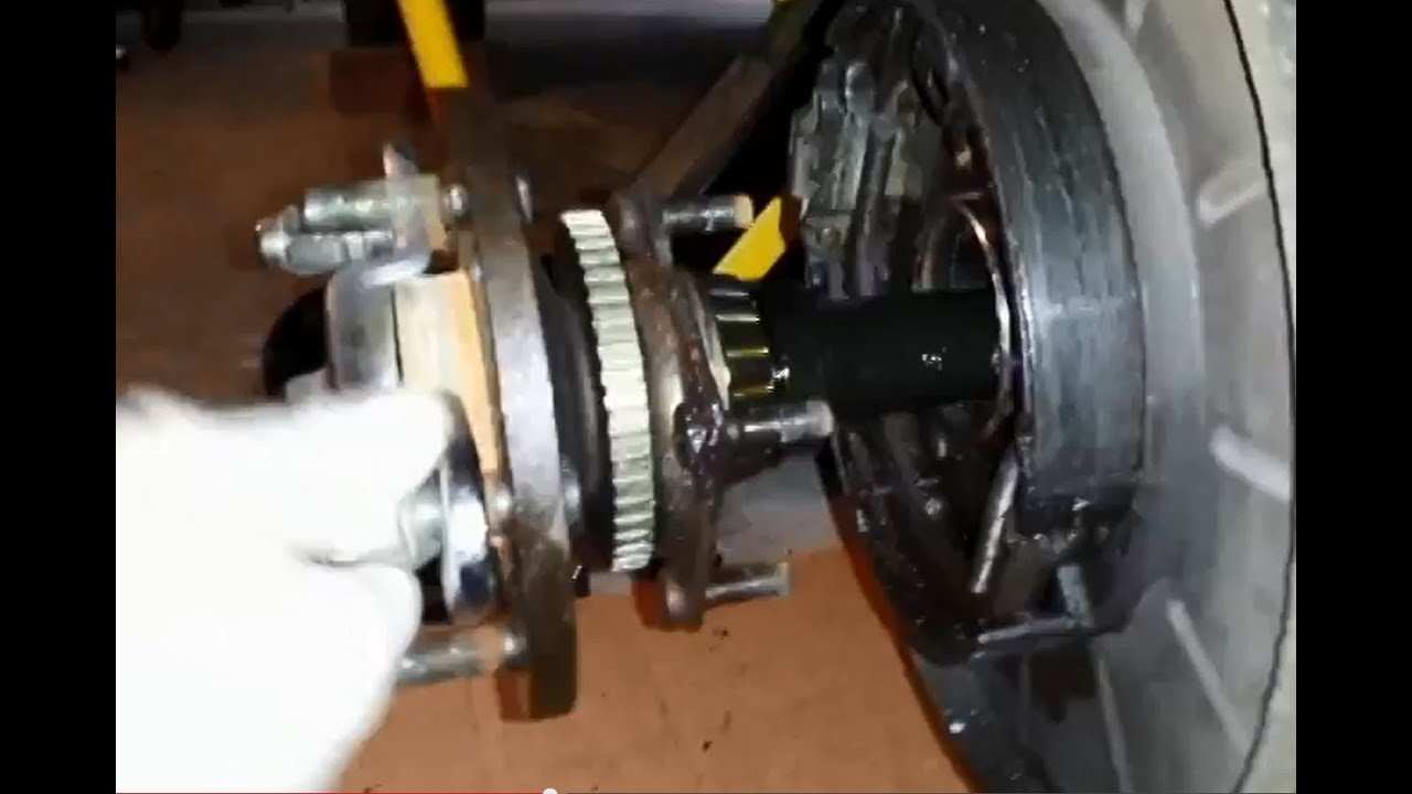small resolution of 2000 grand cherokee limited wj rear axle bearing seal replacement youtube