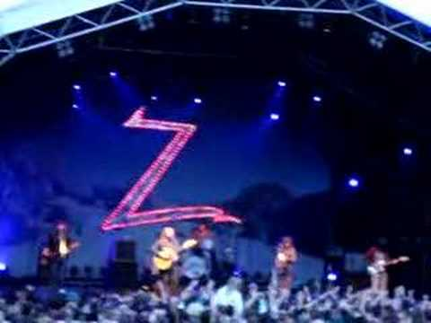 The Zutons - Confusion Live at Delamere Forest