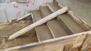 видео Как сделать ступеньки из бетона своими руками для крыльца