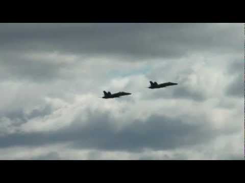 F18 Fighter Jets flying over NYC above the Hudson River