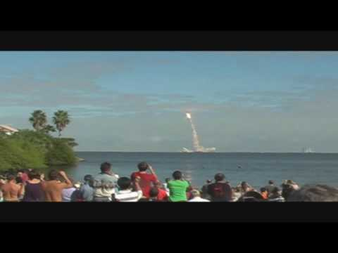 STS-129 shuttle launch, seen from Space View Park in ...