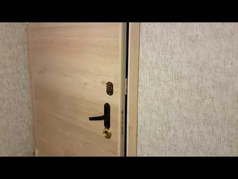 Отделка двери ламинатом. Недорого и несложно.