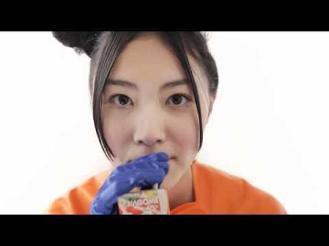 にんじんに扮した松井珠理奈の、いっしょにこれイチ ! 映像.